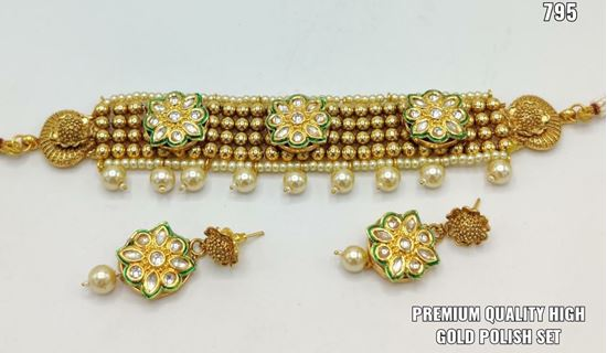 Picture of glamorous gold plated party wear jewellery