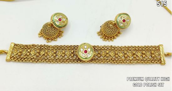 Picture of glamorous gold plated party wear jwellary