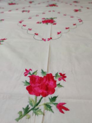 Picture of handmade embroidery bedsheets for king size bed white